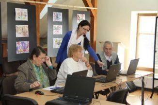 Vyresniojo amžiaus žmonėms kasdienybę palengvina skaitmeninio raštingumo mokymai