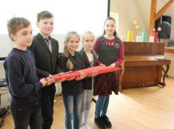 Šilutės M. Jankaus pagrindinės mokyklos ketvirtokai tikrai myli Lietuvą!