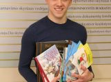 Savivaldybės tarybos nario dovana pradžiugins jaunuosius skaitytojus