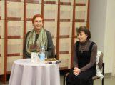 Aldona Ruseckaitė šilutiškiams pristatė knygas apie Maironį ir Žemaitę