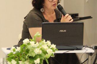 """""""Keliauti laiku"""": susitikimas su istorinių romanų autore Gina Viliūne"""