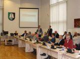 Rajono savivaldybės taryba posėdžiavo neeiliniame posėdyje