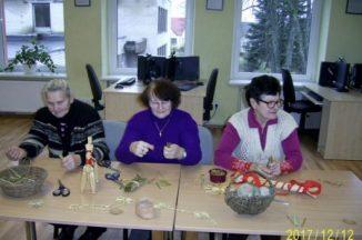 Šiaudinių puošmenų gamyba kalėdinei eglutei ir interjerui