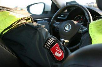 Automobiliuose ginklas ir girti vairuotojai