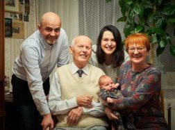 Iškilmingai pasveikintas 95-metį švenčiantis šilutiškis Albinas Lukošius