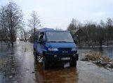 Policijos pareigūnai aplankė potvynio apsemtas sodybas, Rusnėje saugumas užtikrinamas įprastu ritmu