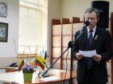 """Biblioteka pakvietė atgimti žmogui ir tautai šviesos skaitymuose """"Lietuva – tai visi"""""""