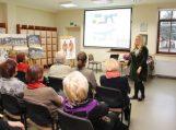 Vyresniojo amžiaus žmonėms bibliotekoje surengti mokymai ir naudingos paskaitos