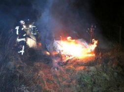Automobilyje užsidegęs žmogus sudegė