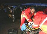 Girtas 18-metis Švėkšnoje automobilį įvairavo į kapinių tvorą