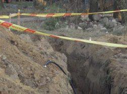 Šilutėje vykdantis kabelio tiesimo darbus rasti žmogaus kaulai