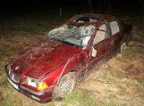 """Žemaitkiemyje """"BMW"""" nulėkus nuo kelio sužaloti du paaugliai"""