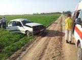 Palendriuose apsivertus automobiliui sužalotas vairuotojas (papildyta)