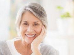 Dantų implantai Klaipėdoje: kodėl toks pasirinkimas įgauna vis didesnį populiarumą?