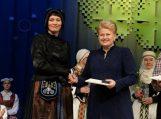 Prezidentė D. Grybauskaitė įteikė apdovanojimą etnografei I. Skablauskaitei