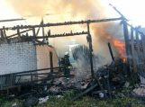 Švėkšnoje sudegė ūkinis pastatas, sužeistas jį gesinęs kaimynas
