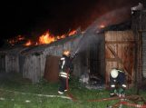 Kavolių kaime degė grupės savininkų ūkinis pastatas