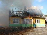 Vilkėno kaime sudegė gyvenamas namas, be pastogės liko daugiavaikė šeima