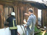 Žukuose degė, įtariama, padegtas namas