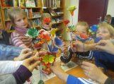 Grabupių filialo bibliotekoje gėlės žydi ne tik vasara…