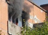 Kilus gaisrui daugiabutyje, ugniagesiai evakavo gyventojus