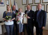 Prezidentės apdovanota daugiavaikė mama pasveikinta ir Savivaldybės vadovų