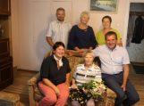 Pasveikinta 90-ąjį gimtadienį švenčianti Marytė Tumosienė
