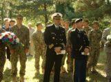 Macikuose lankėsi kariškiai