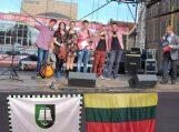 """Jaunimo muzikos grupė """"Karčemėlė"""" koncertavo Gdanske"""