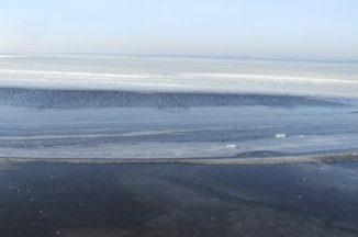 Vandens telkinių ledas nėra saugus