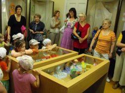 Muziejininkai kviečia susipažinti su parodomis