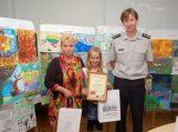 """Apdovanoti mokinių plakatų konkurso ,,Saugi vasara"""" nugalėtojai"""