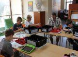 Vasara bibliotekoje su šiuolaikinėmis technologijomis