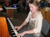 Juknaičiuose skambėjo eilės, lopšinės ir  klasikinė muzika