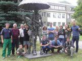 Prie Šilutės pirmosios gimnazijos moksleivius pasitiks nauja skulptūra