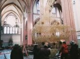Švėkšnos bažnyčią papuošė rekordinio dydžio sodas