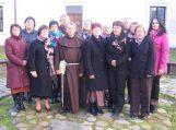 Mokytojai prieš artėjantį adventą dvasinės ramybės sėmėsi Kretingos vienuolynuose