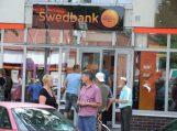 Bankai brangina paslaugas