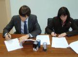 Pasirašytos sutartys su vėjo energetikos projektų vykdytojais