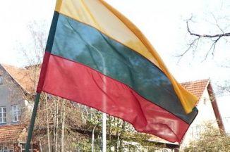 Pareigūnai ragina nepamiršti valstybinių švenčių dienomis iškelti vėliavas