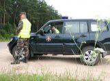Neleistinoje vietoje VSAT automobilį aplenkęs pagėgiškis nemalonumų užtraukė ir bendrakeleivei