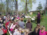 Žemaičių Naumiestyje lankėsi populiari vaikų rašytoja