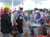 Žuvienės meistrai išvirė ir išdalino apie tūkstantį litrų žuvienės (nuotraukos)