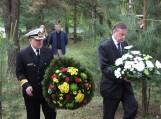 Lietuvos kariuomenės ir Šilutės atstovai padėjo vainikus prie paminklo žuvusiems JAV kariams atminti