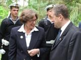 Anne E. Derse vizito Macikuose metu su V. Pozingiu aptarė būsimo memorialo statybos galimybes bei tolimesnį bendradarbiavimą.Nuotrauka Gintaro Radzevičiaus