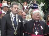 Šilutės meras Virgilijus Pozingis su vyskūpu Jonu Boruta.