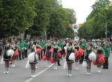 Orkestrai žygiavo iškilminga eisena Lietuvininkų gatve