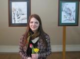 Jaunoji menininkė Agnė Girulytė prie savo darbų. Nuotraukos Aldonos Norbutienės