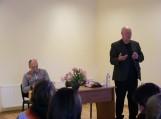 Žemaičių Naumiestyje lankėsi poetas Aidas Marčėnas ir kritikas Valentinas Sventickas