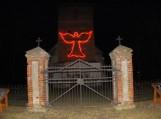 """Rusnėje ant evangelikų bažnyčios bokšto """"nutūpė"""" stilizuotas Angelas"""